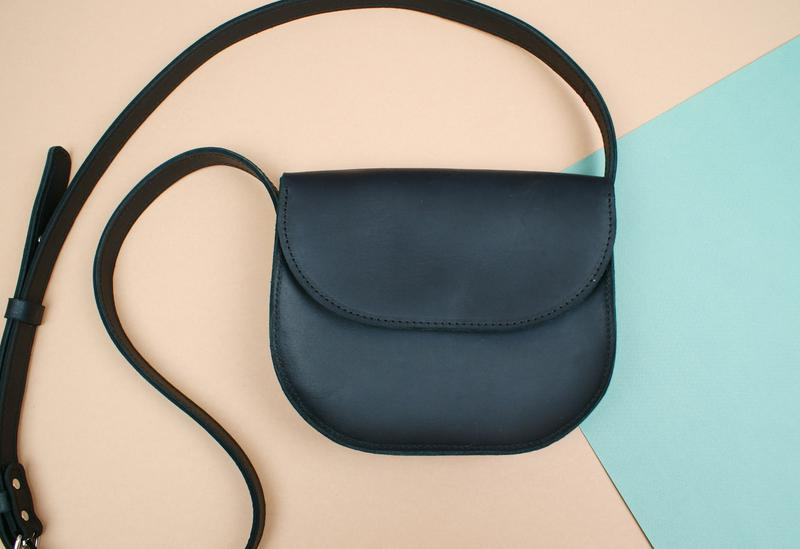 7b3d66793881 Шкіряна чорна сумка (жіноча сумочка на плече) ручной работы купить в ...