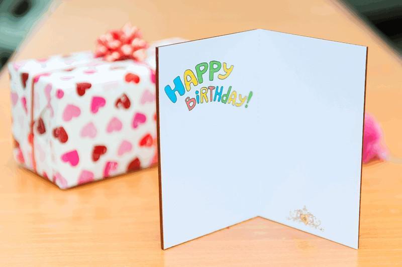 Открытка с деревянной обложкой Happy Birthday, Слоник с шариками, фигурная