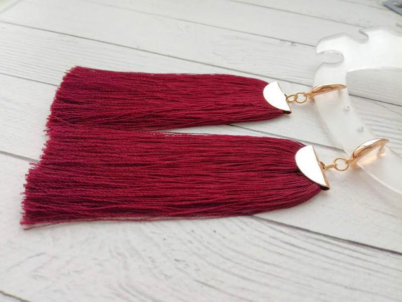 Шелковые серьги цвета бургунди.