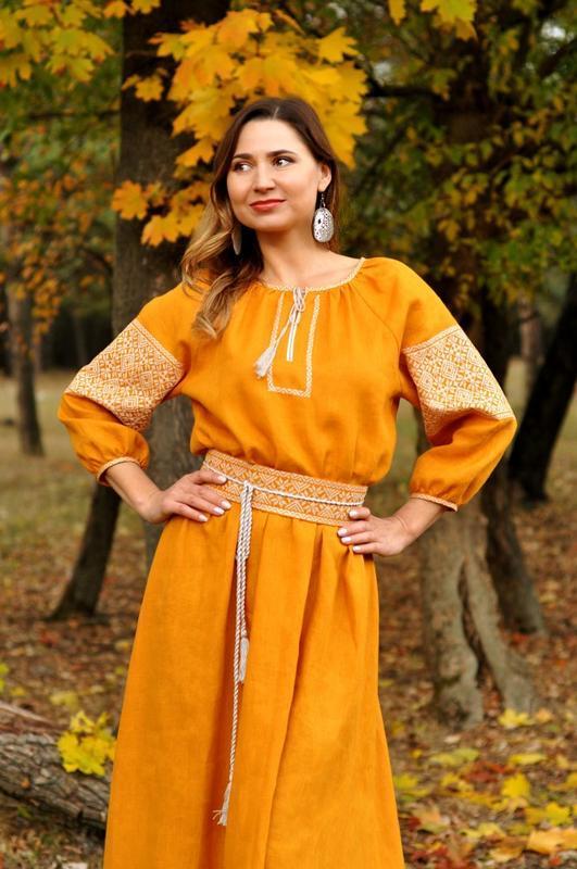 Плаття з вишивкою гірчичного кольору з натурального льону ручной ... 0941744d40b8b