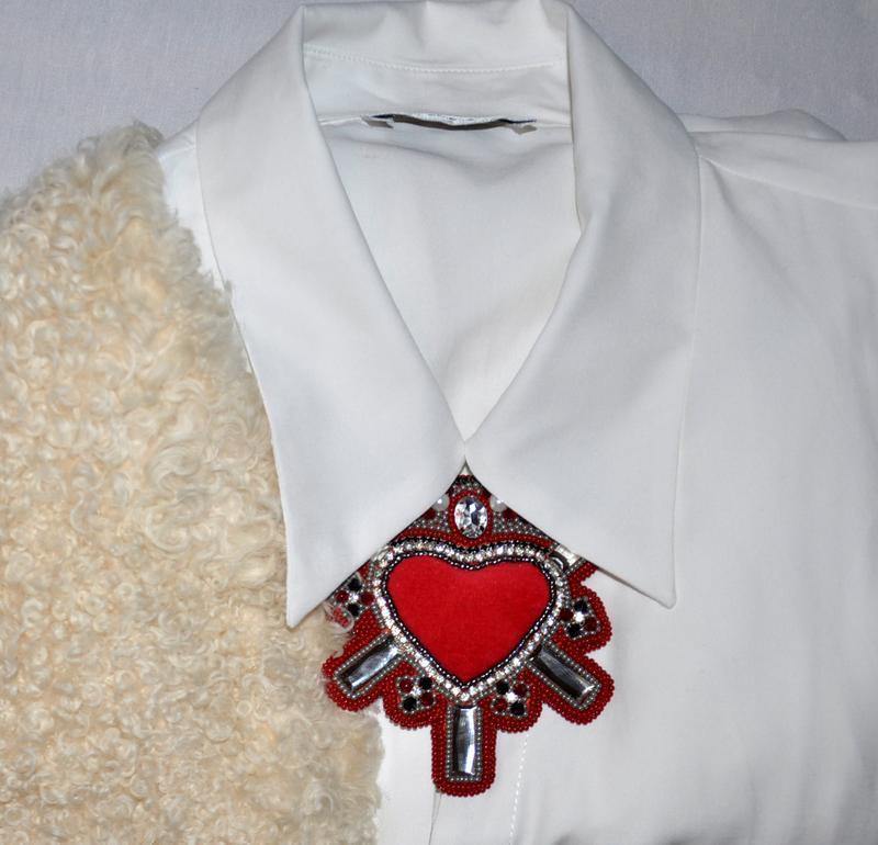 Брошь-орден в форме сердца