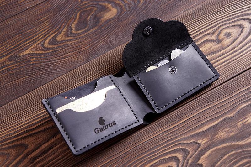Мужской кошелек. Кожаный кошелек Компактное портмоне. Именная гравировка. Гаманець. Подарок мужчине.