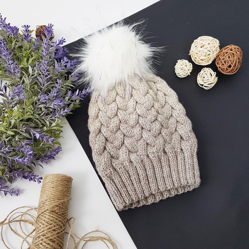 Bregoli design вязаная теплая шапка с бубоном без отворота цвет градиент размер 54-55см