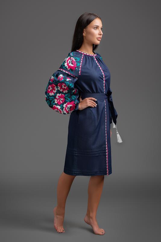 ad239338bb3dbb Дизайнерська вишита сукня