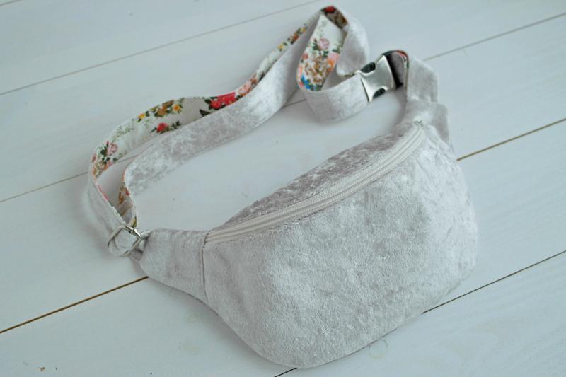 15d5f4af6d14 Бархатная сумка на пояс, бананка, поясная сумка ручной работы купить ...