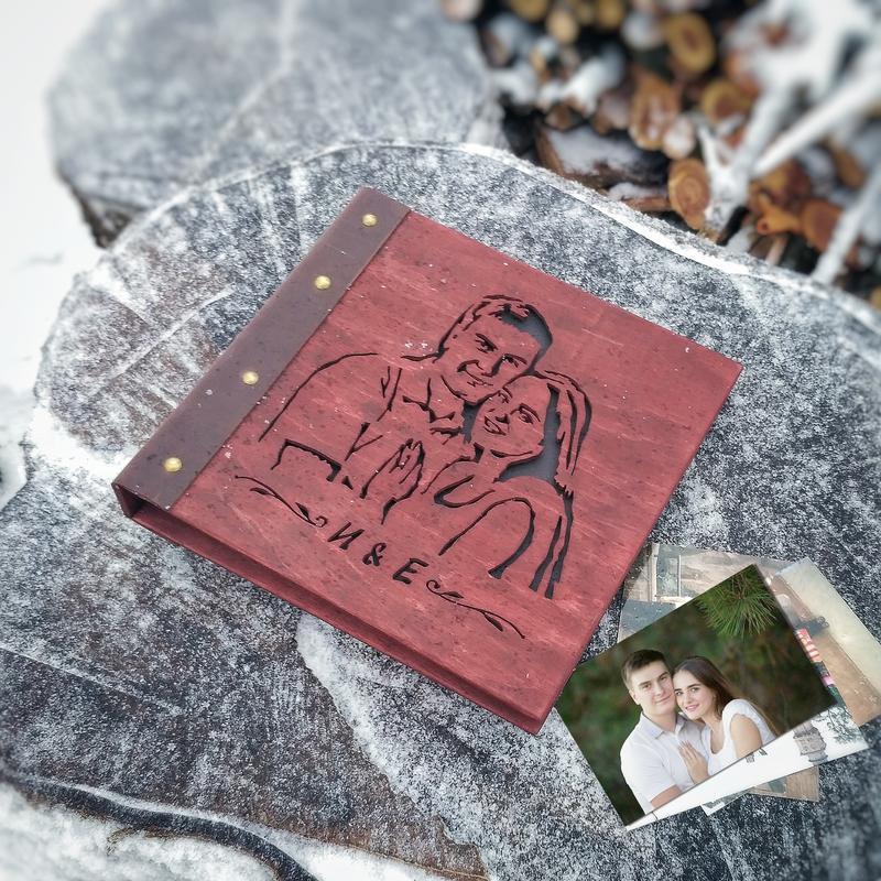 2в1 Фотоальбом + портрет из дерева (подарочные фотоальбомы, семейные альбомы, подарок на свадьбу)
