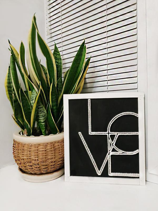 """Постер """"LOVE"""" в технике stringart"""