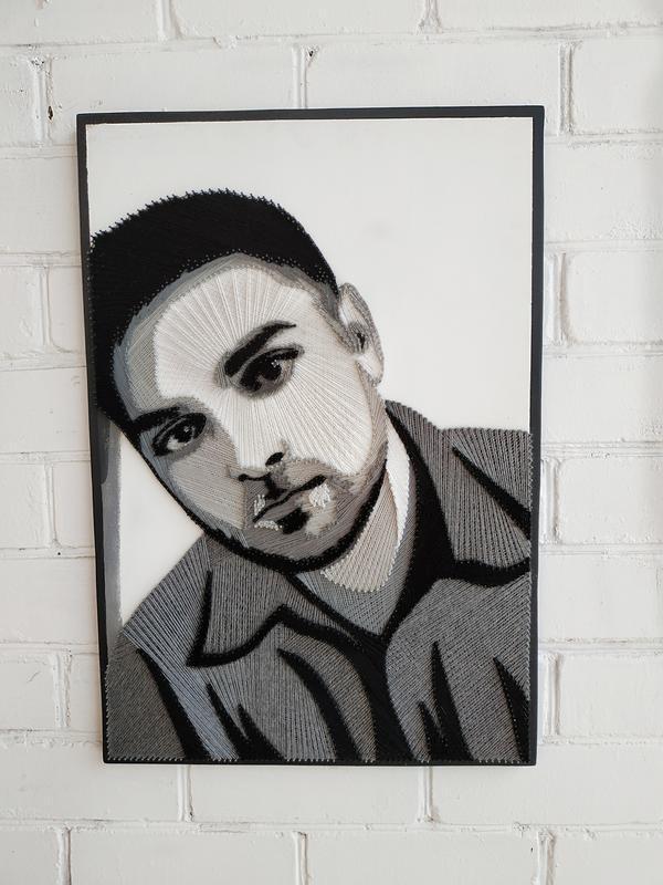 Портрет в технике stringart