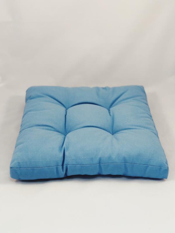 Подушка на стілець. Квадратна подушка. М'яке сидіння. Однотонна кольорова, синя подушка.
