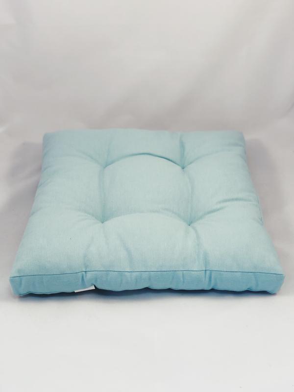Однотонна кольорова подушка на стілець. Квадратна подушка. М'яке сидіння.