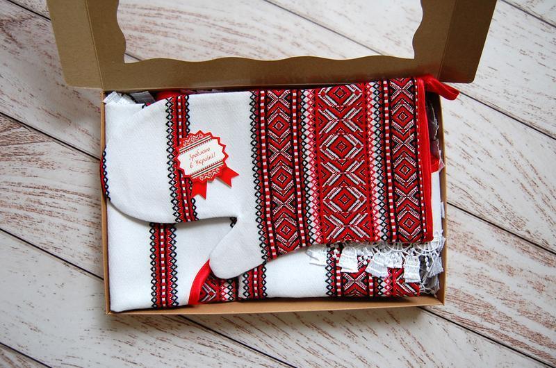 """Подарочный набор для кухни """" Фартук, прихватка-рукавичка-рушничок"""""""