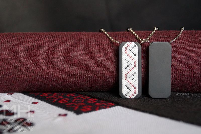 """Подвеска """"Украинские традиции"""" в черно-красных тонах из полимерной глины Вариант 3"""