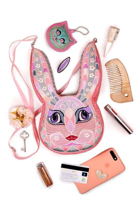 """Сумочка """"Розовый кролик"""". Сумка через плечо. Подарок для девушки. Розовая сумка вышитая оригинальная"""