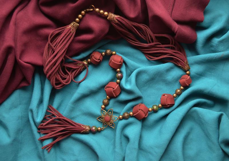 """Кожаное колье """"Furmani"""" цвета Марсала с кисточкой в стиле Бохо-шик"""
