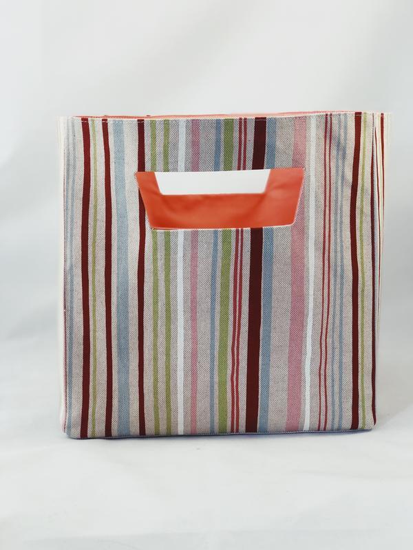 Корзина из ткани, интерьерная корзина в разноцветную полоску . Декор в детскую. Корзина для игрушек.