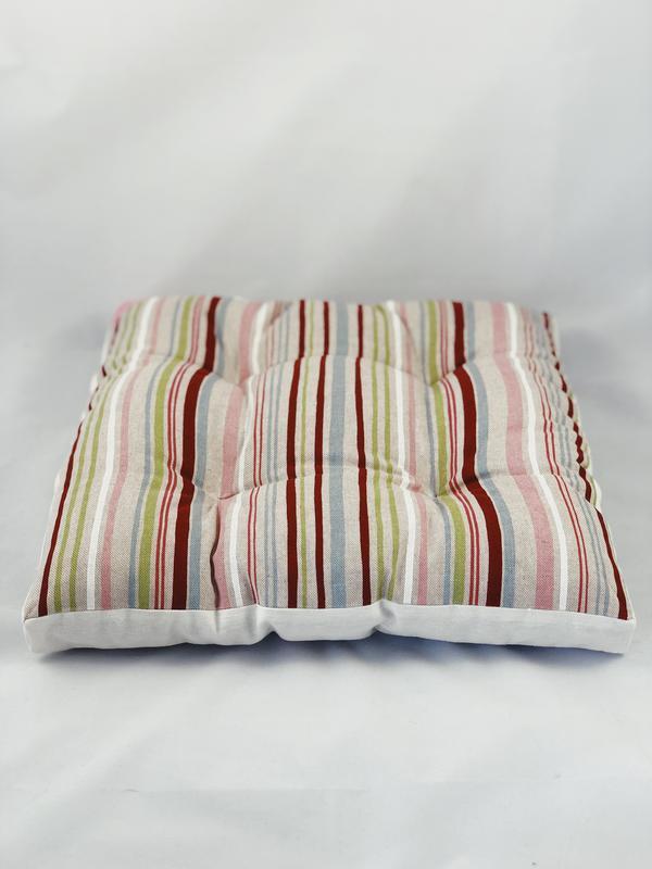 Подушка для сидения. Подушка на стул. Квадратная подушка. Мягкое сиденье.