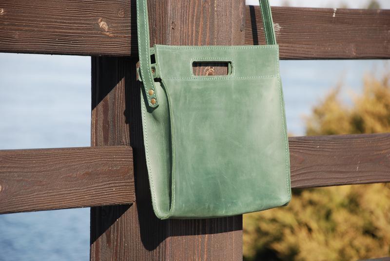 Зелёная женская кожаная сумка с30 (10 цветов)