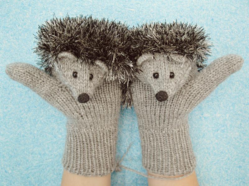 Детские варежки-ежики (рукавицы). Игрушка. Подарок