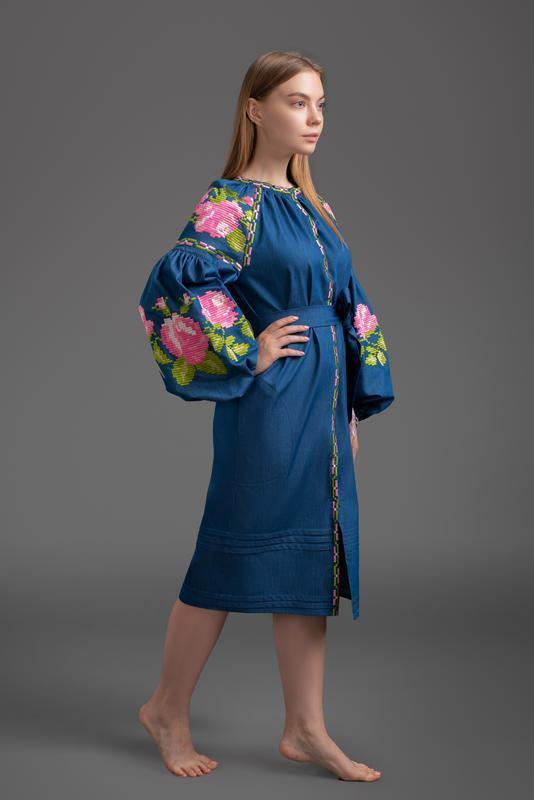 """Дизайнерское вышитое платье """"Три розы"""" Весна 00119"""