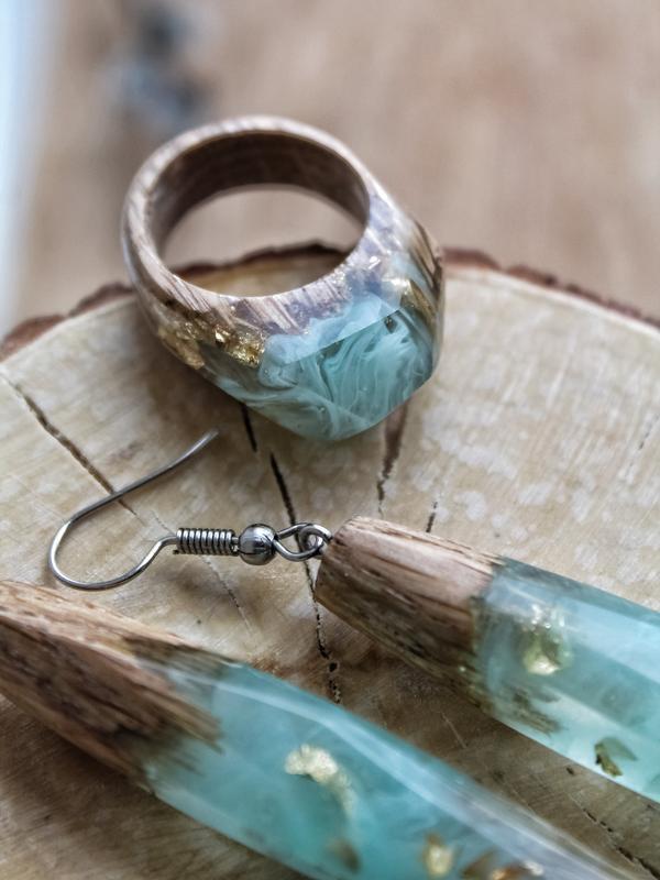 'ТУМАН', кольцо из дерева и ювелирной с золотой поталью, подарок для любимых