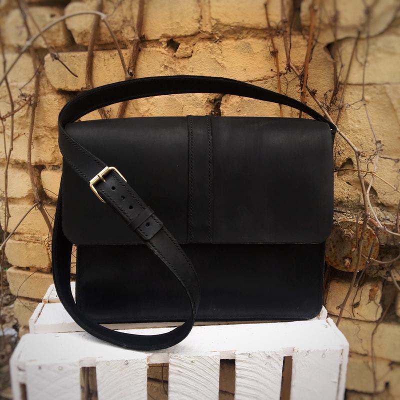 96a027c17b82 Кожаная мужская сумка на длинном ремешке ручной работы купить в ...