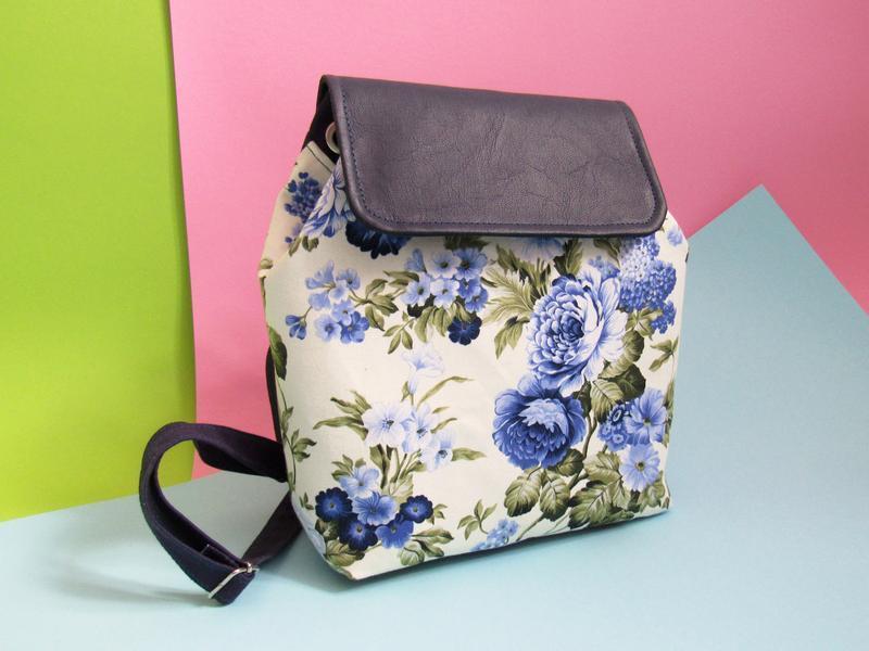 c873772b2f61 Рюкзак женский текстиль синие цветы ручной работы купить в Украине ...