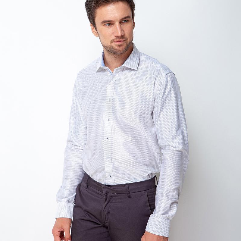 Рубашка приталенная белая в цветочную точку 500-004