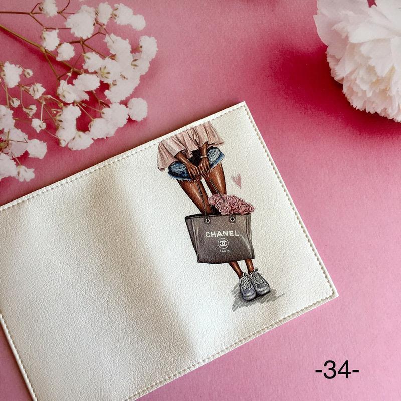 Стильная обложка на женский паспорт