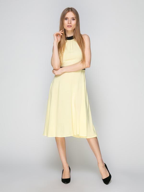 Платье светло-желтое
