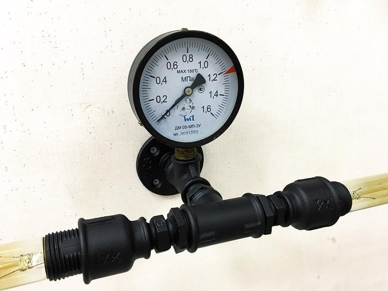 Бра Smart из водопроводных труб