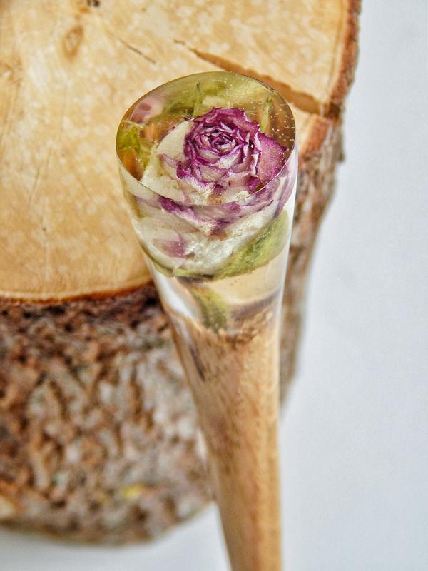 Заколка с розой в эпоксидной смоле Шпилька Палочка из дерева Для волос Сухоцвет в смоле