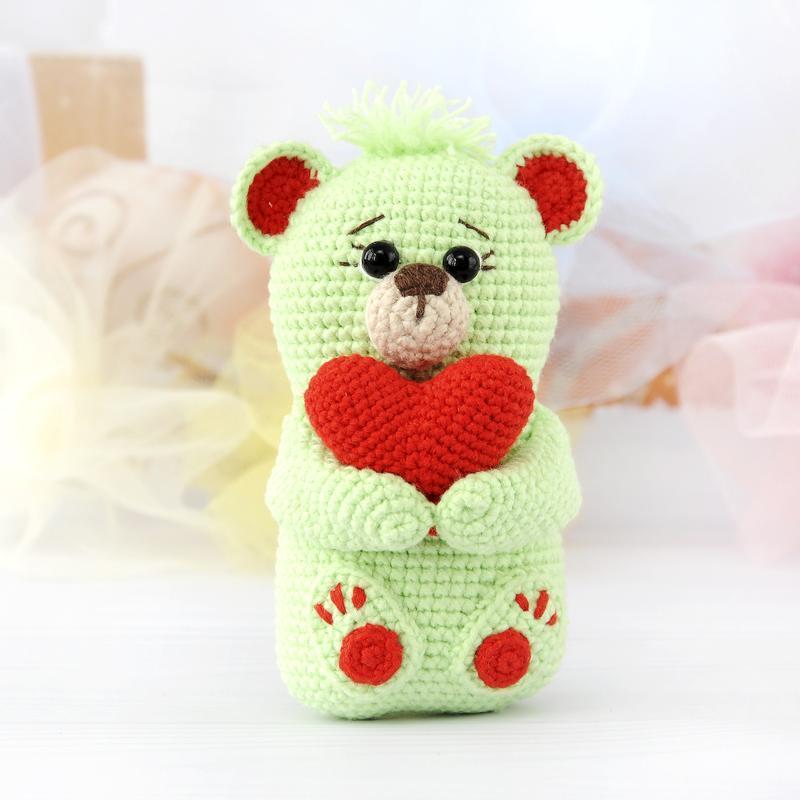 мишка с сердцем мягкая вязаная игрушка амигуруми ручной работы