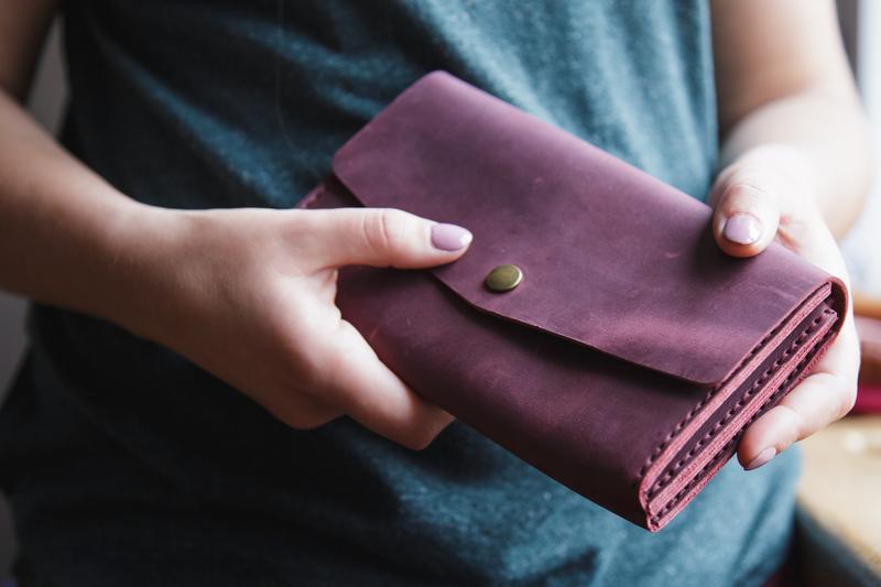 Женский кожаный клатч кошелек (3 card) «Nice Marsala» на кнопке с отделом для монет
