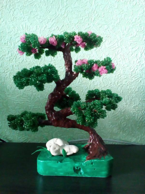 Продаж дерев из бисера