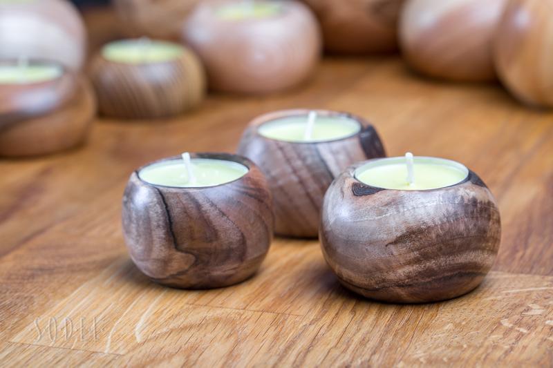 свічник горіховий