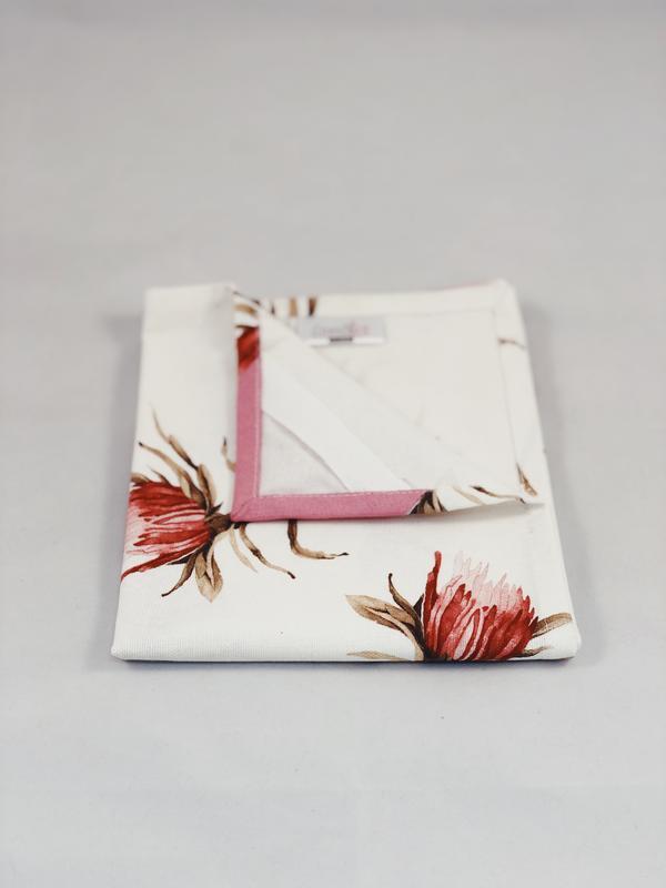 Хлопковое полотенце с бордовыми цветами. Кухонное полотенце. Украшение кухни. Прихватки с хлопка.