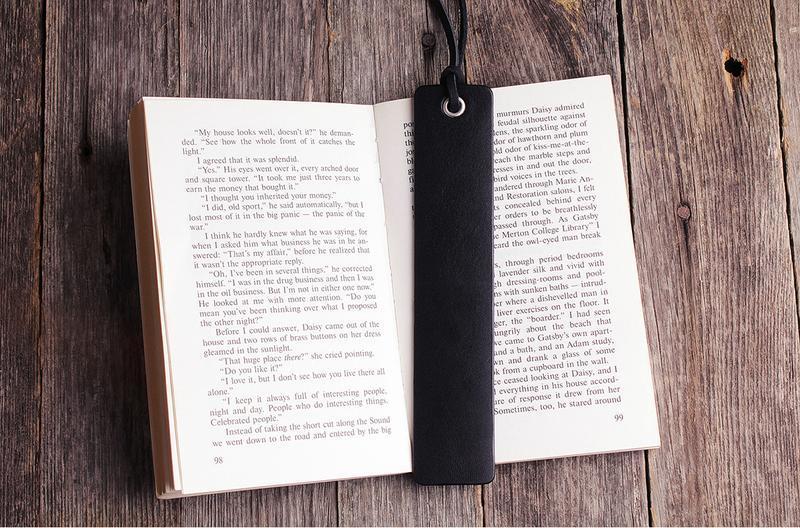 Шкіряна книжкова закладка