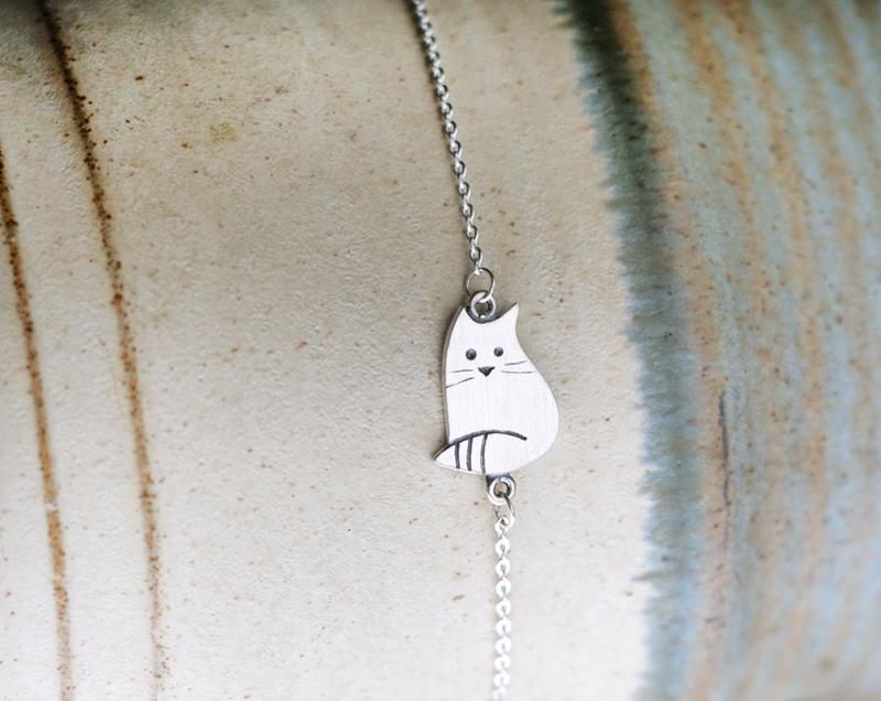 Серебряный браслет котик