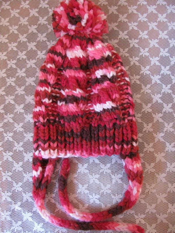 Детская шапка с помпоном и ушками.