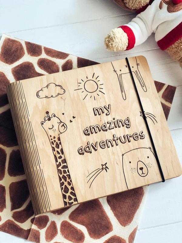 """Фотоальбом из дерева / Альбом для фотографий """"My amazing adventures"""""""