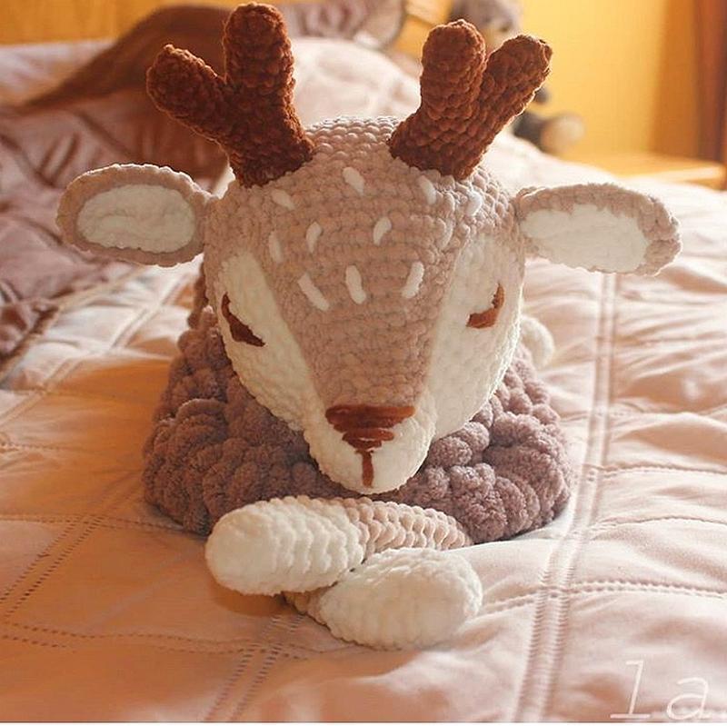Піжамниця-вязаная игрушка-хранитель пижамки.