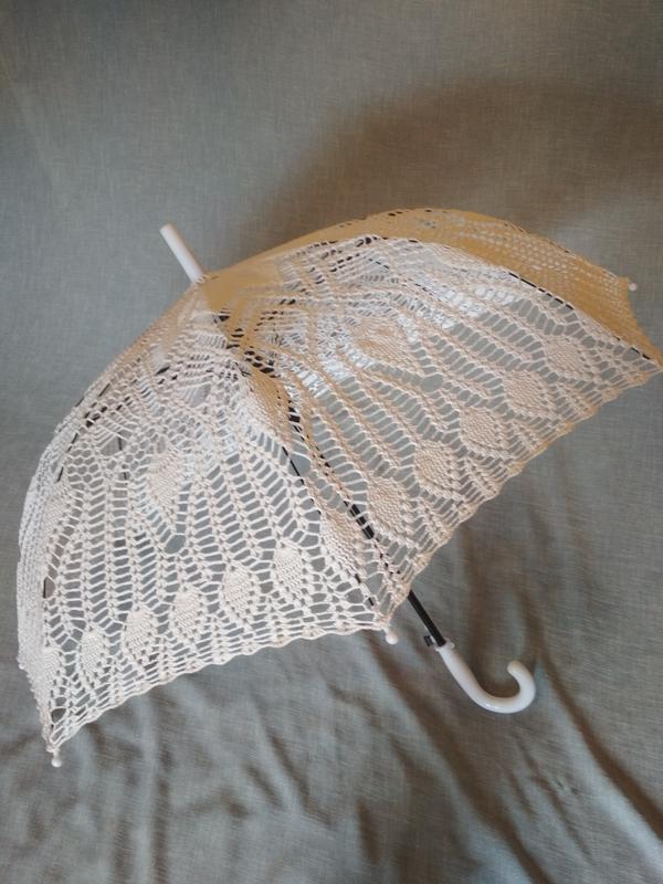 Белый зонтик