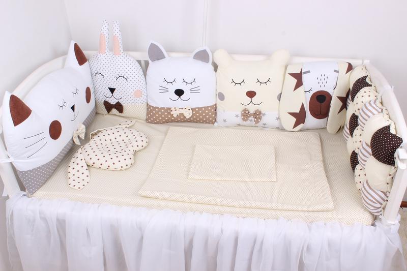 Комплект в кроватку с зверюшками в коричневых тонах