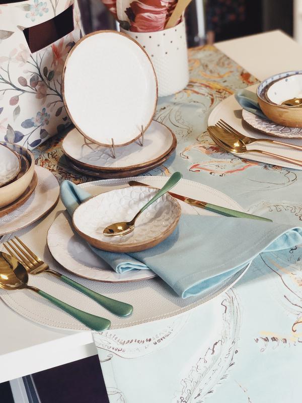 Скатерть-дорожка из хлопка бирюзового цвета с орнаментом. Скатерть-раннер. Столовый текстиль.