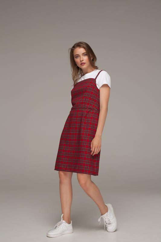 Платье в красную шотландку