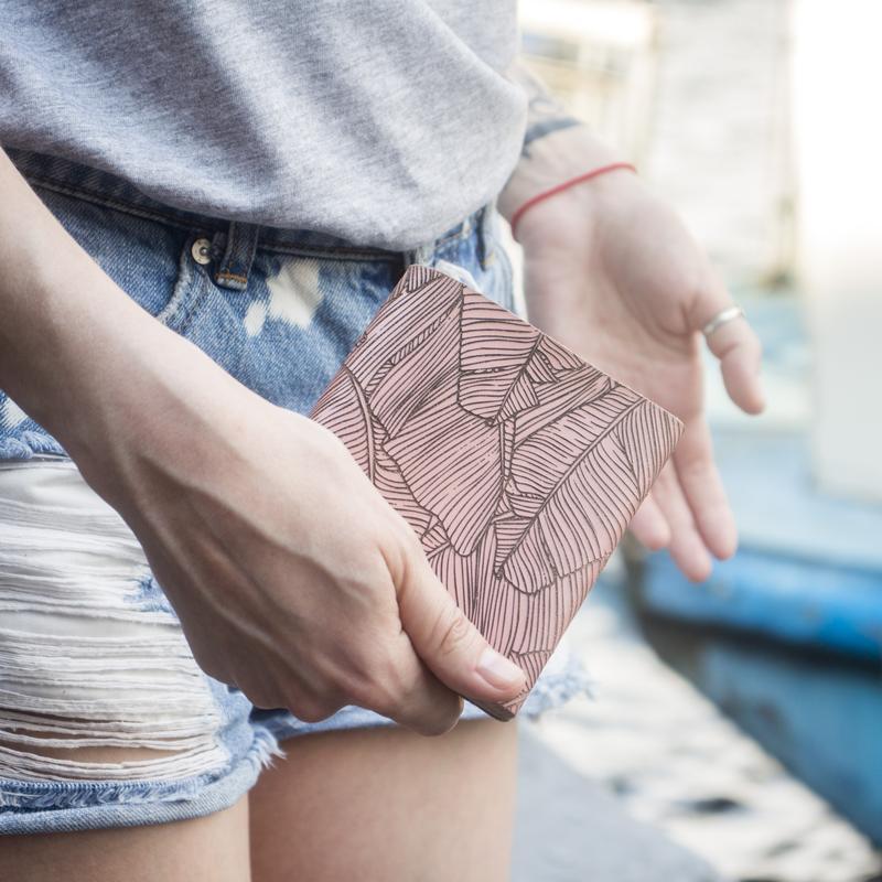 Женский кошелёк Square (Итальянская кожа) с дизайнерской гравировкой Fern + Подарок на выбор.