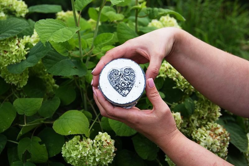 шкатулка для обручальных колец с натуральным мхом
