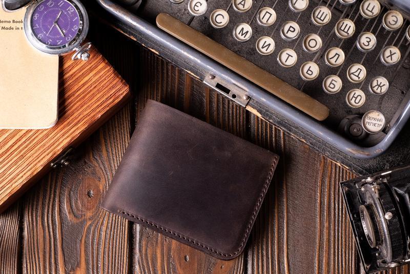 Кожаный мужской кошелек Бифолд в темно-коричневом цвете | 1_0037M_BEF