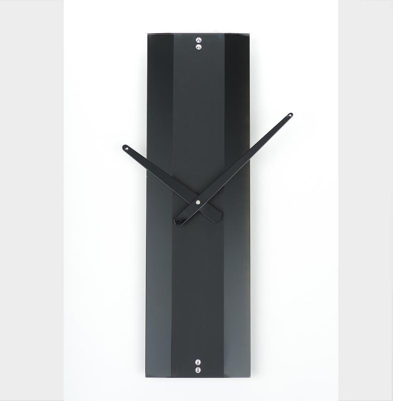 Часы настенные Strip 3 черные