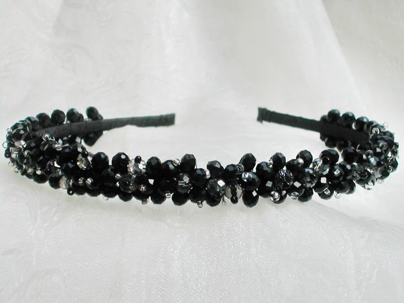 Обруч для волос с хрустальными бусинами в черных тонах